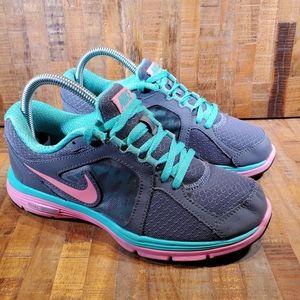 Nike Womens Dual Fusion Sneakers